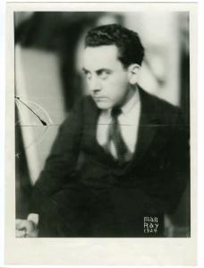 man-ray-self-portrait-1924