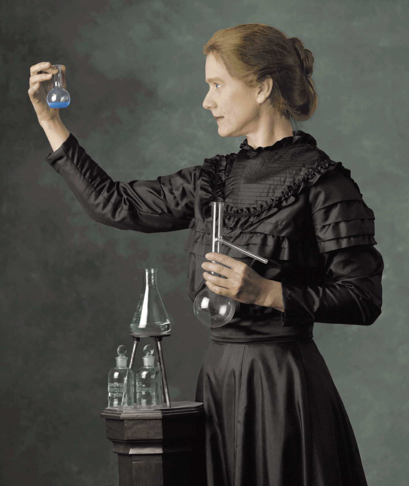 http://ritsmas.files.wordpress.com/2011/02/marie_curie1.jpg